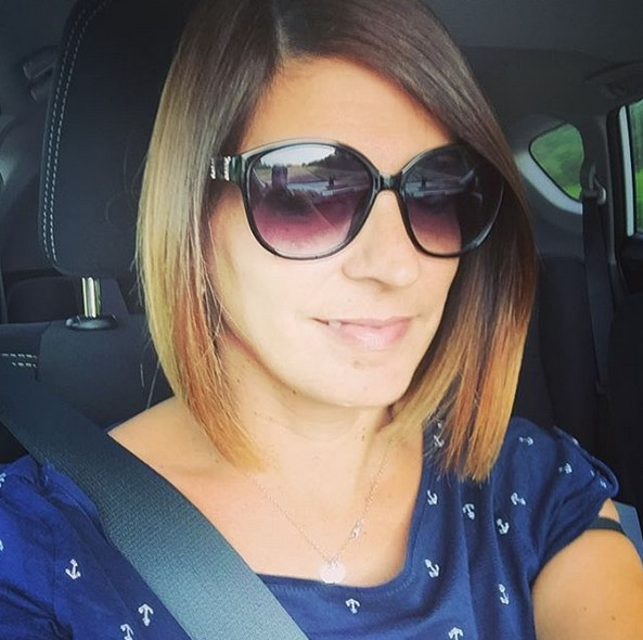 Chic short ombre bob hairstyle with sunglasses