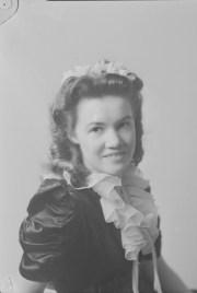 symlaleadde 1940s hairstyles
