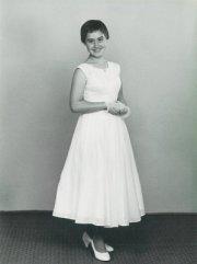 1950s teen girl with pixie cut
