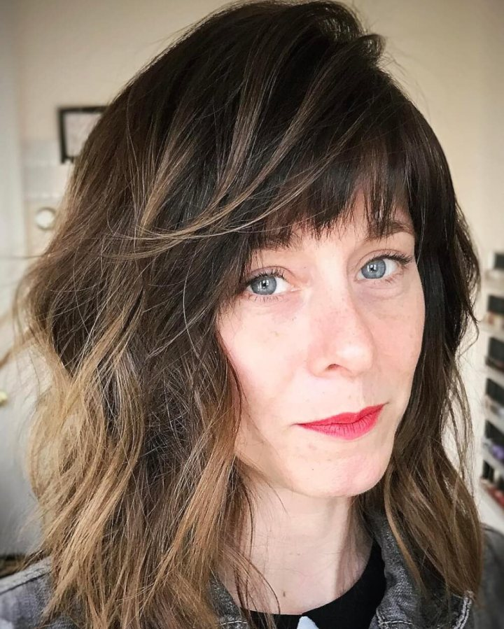 Best Middle Haircuts Now In 2018 Hairstyle Woman
