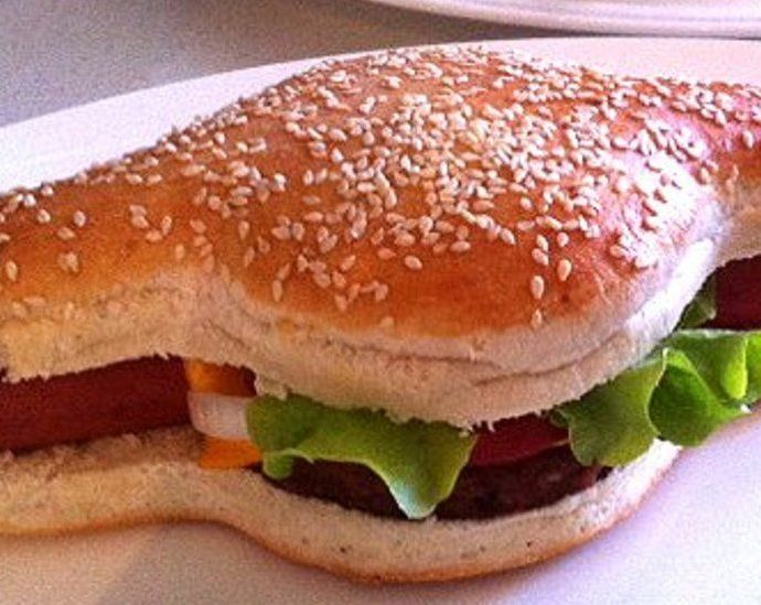 91312802 10451683 760744600646134 3465122986124874102 n 1 - Australian man patents the Hamdog - a hotdog and burger combo