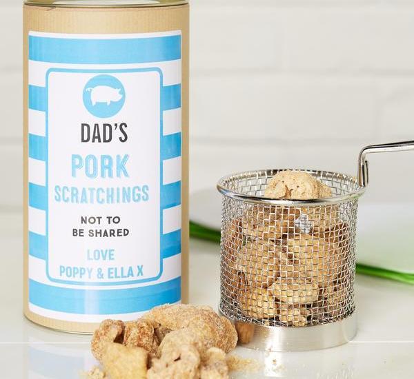summer dad no share d2e2e2b6 28bc 45db a7f5 ba65f5bb9cf7 grande 1 - Pork Scratchings in Personalised Gift Tin