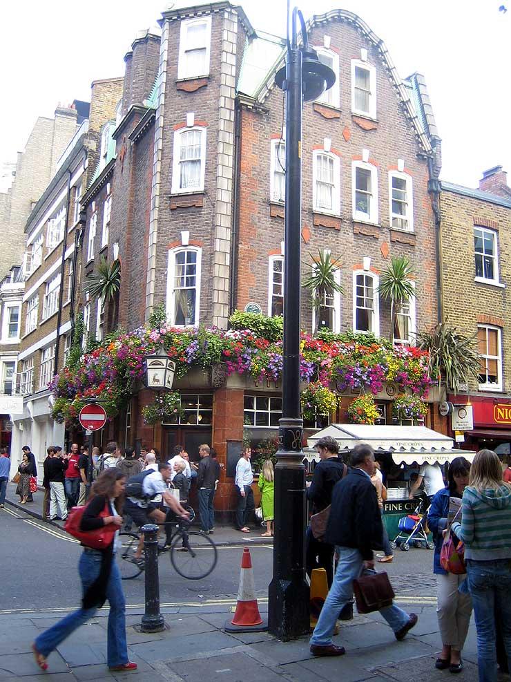 The Blue Posts Soho London Pub Review - The Blue Posts, Soho, London - Pub Review