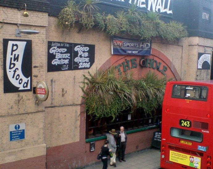 The Hole in the Wall Waterloo London Pub Review - The Hole in the Wall, Waterloo, London - Pub Review