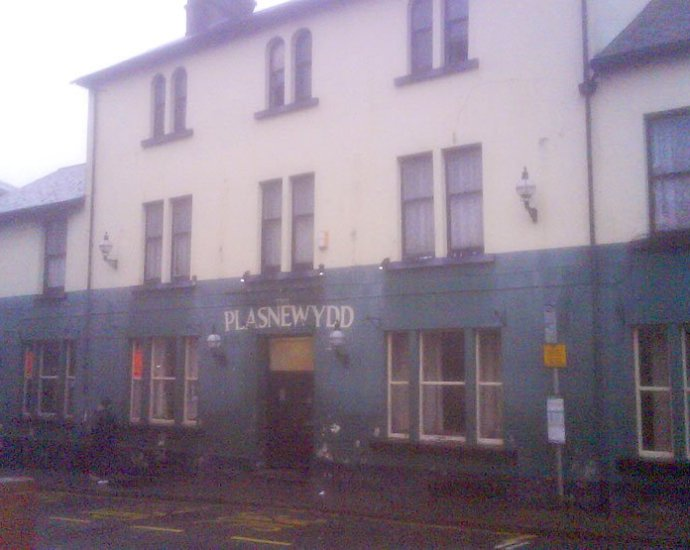 The Plasnewydd Bargoed Wales Pub Review - The Plasnewydd, Bargoed, Wales - Pub Review