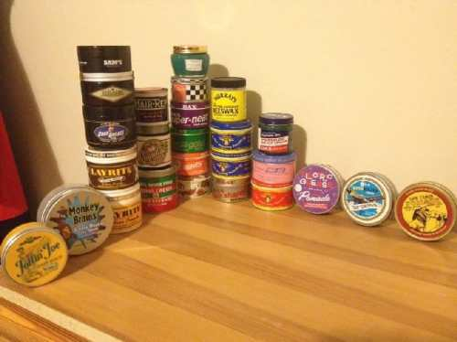 what does pomade look like