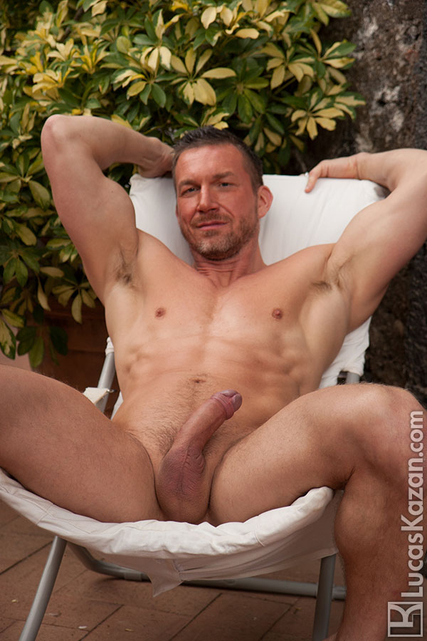 Muscle Gay Porn Star Tomas Brand Gets Nude - Hairy Guys In -5687