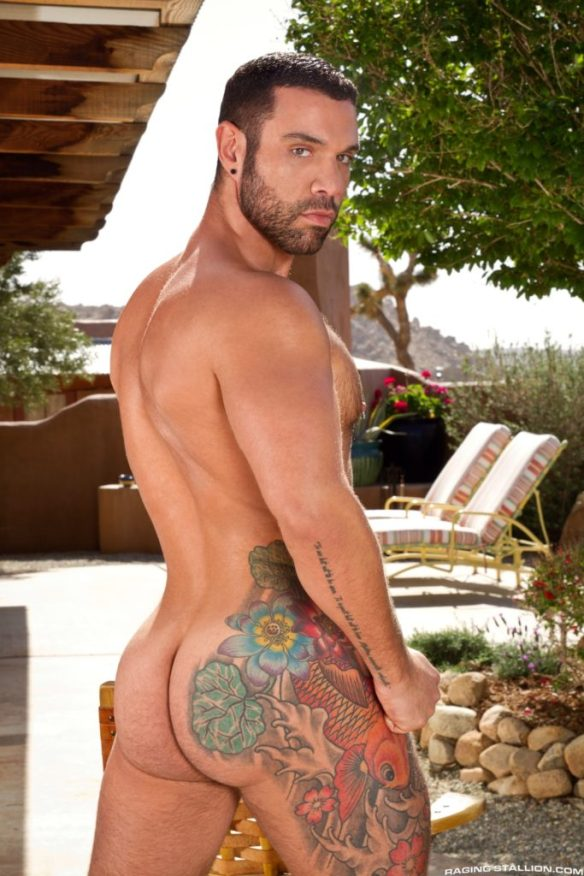 Letterio Amadeo has a hot muscle and hairy ass