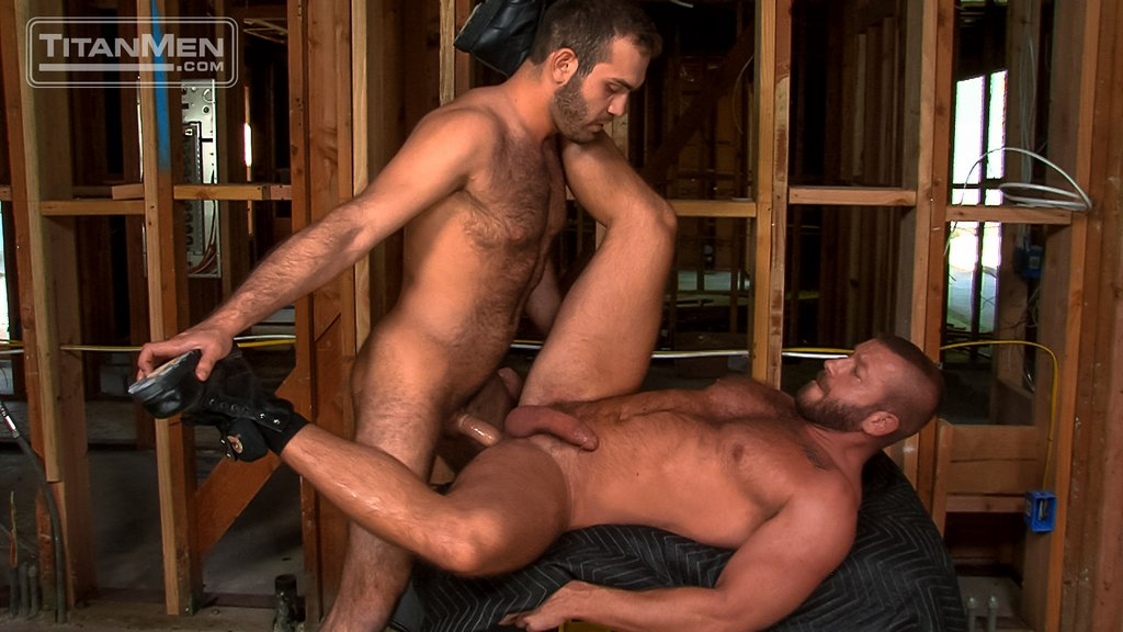 Hairy Guy Adam Thicke Fucks Hunter Marx Hard 07