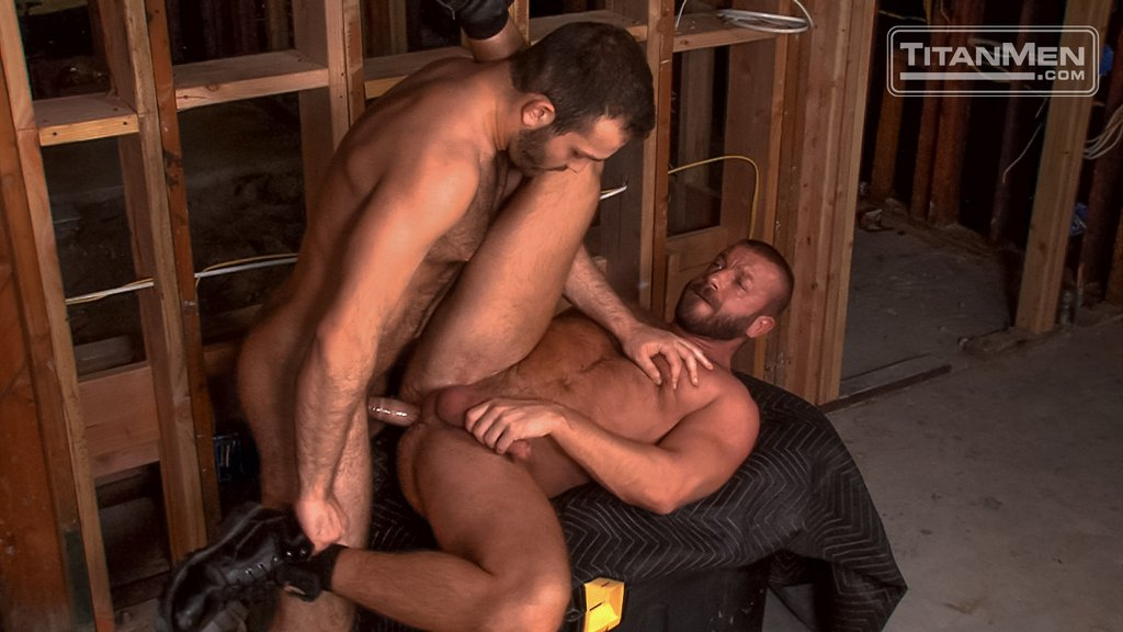 Hairy Guy Adam Thicke Fucks Hunter Marx Hard 09
