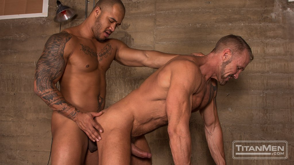 Jason Vario Bangs Dallas Steele 02