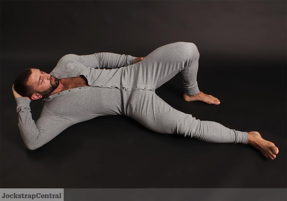 Masculine Model Simon Marini 02