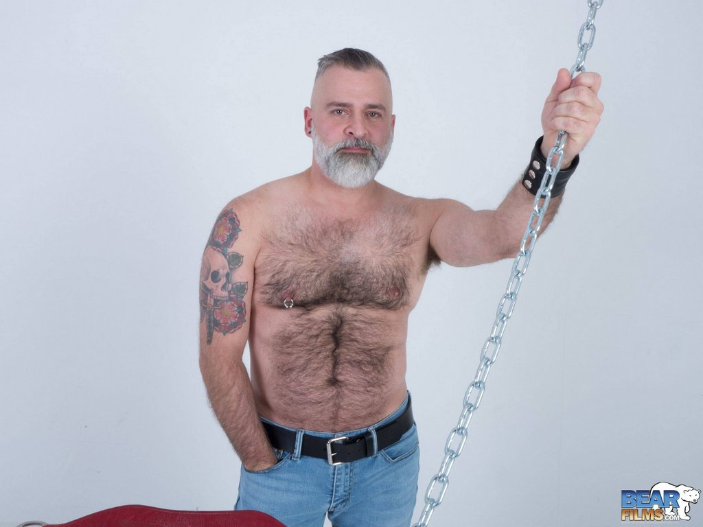 Hot Daddy Tom Carlton Gets Naked 05