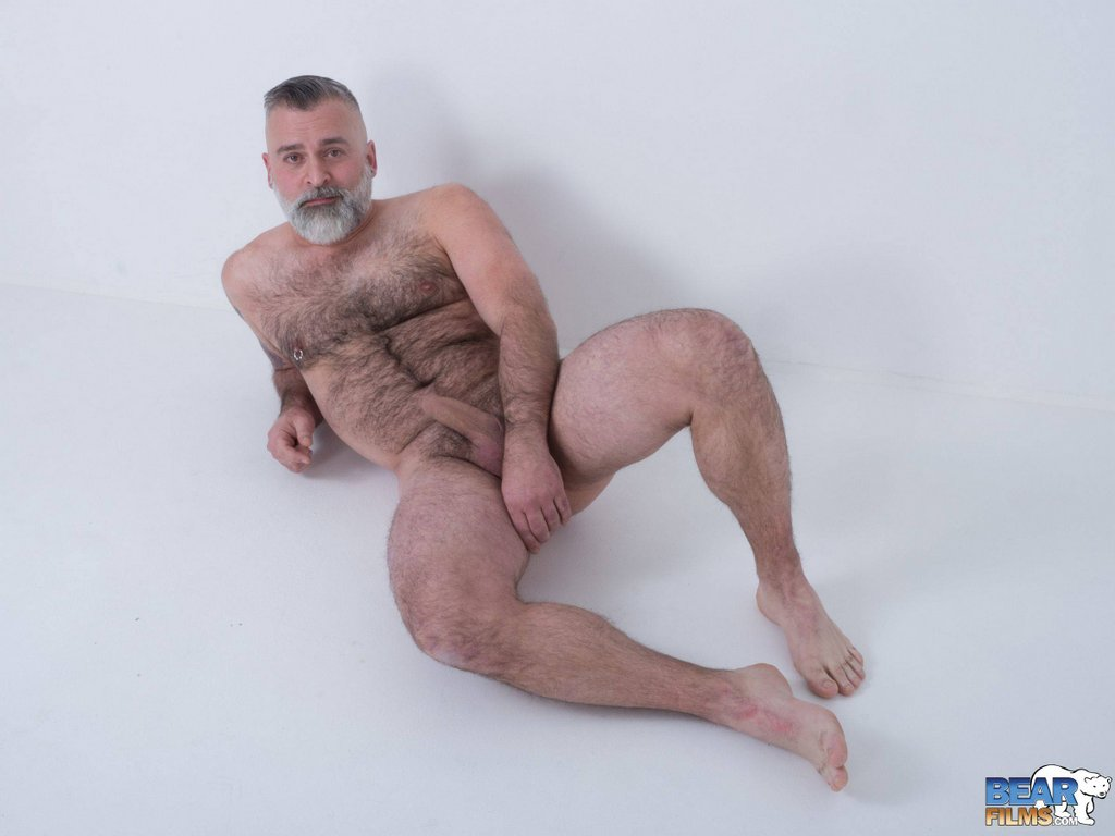 Hot Daddy Tom Carlton Gets Naked 12