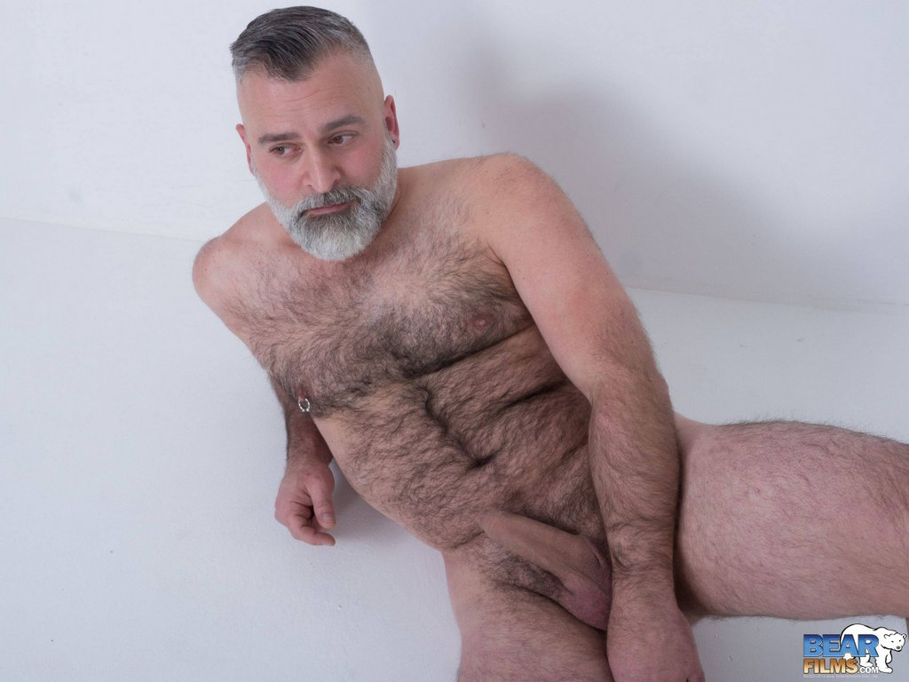 Hot Daddy Tom Carlton Gets Naked 13