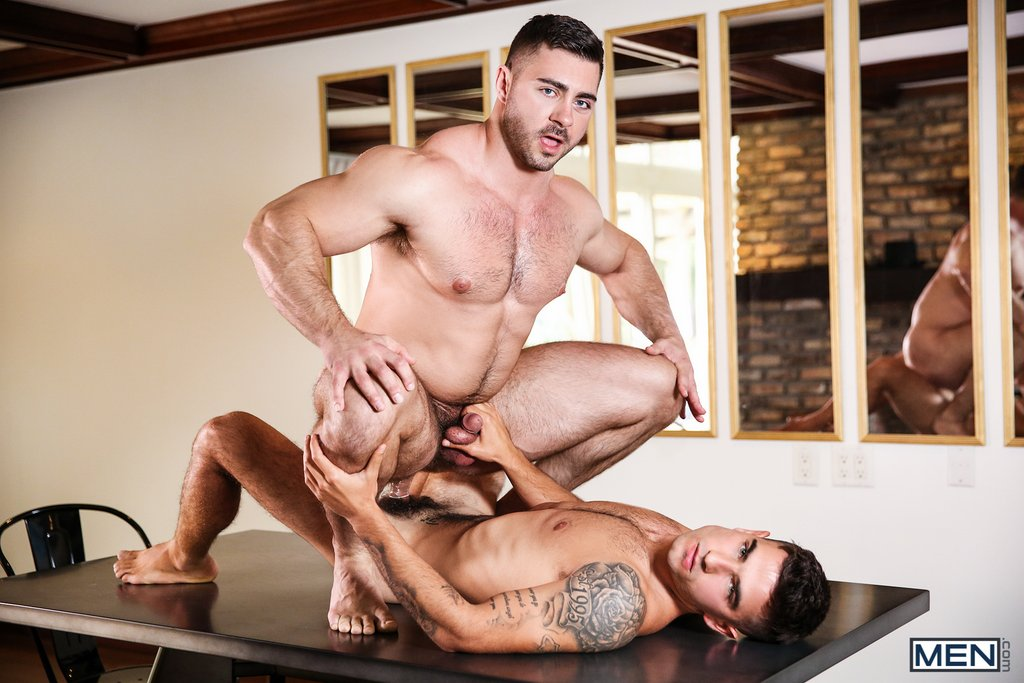 Vadim Black Pounds Derek Bolt Hard 01