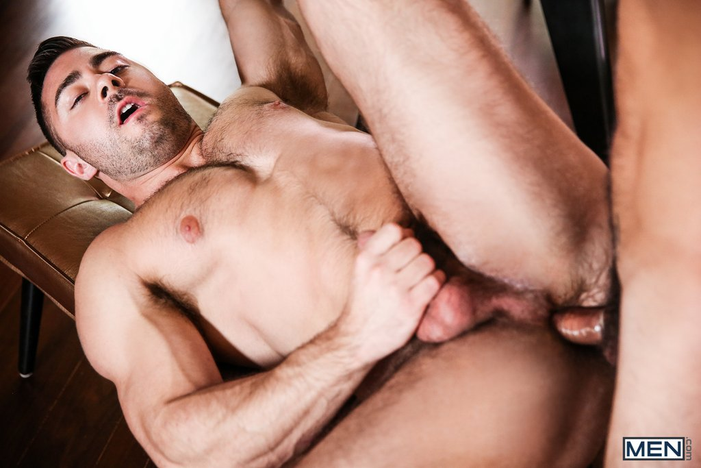 Vadim Black Pounds Derek Bolt Hard 05