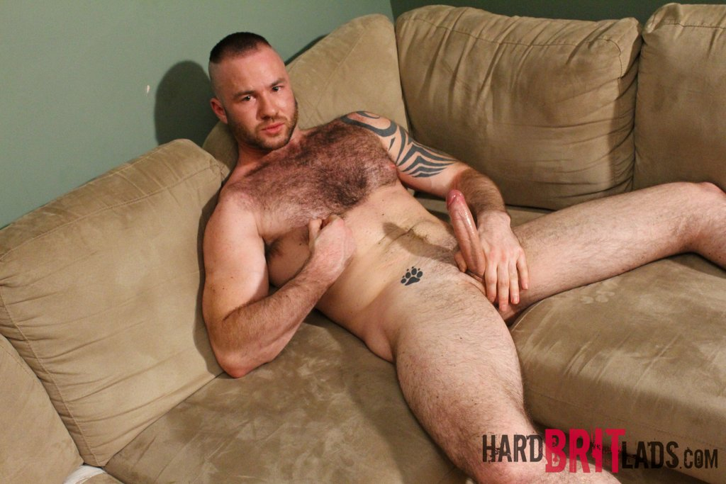 Hairy Hunk Justin King Jerks Off 06