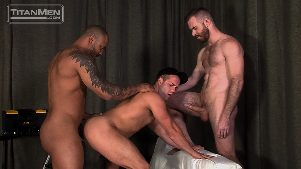 Jason Vario and Matthew Bosch Fuck Luke Adams 03