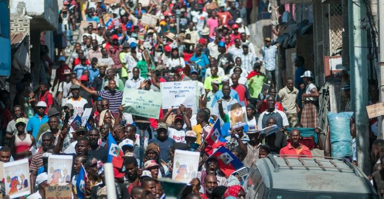 Miles de haitianos marchan en rechazo a comentarios de presidente Trump EFE JEAN MARC HERVE ABELARD