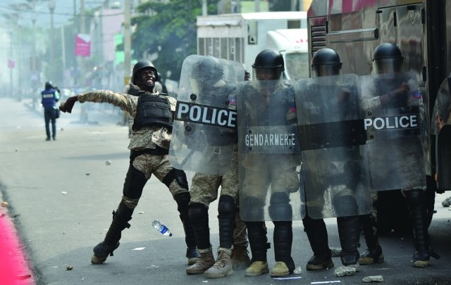 La manifestation de l'opposition dispersée par la PNH4