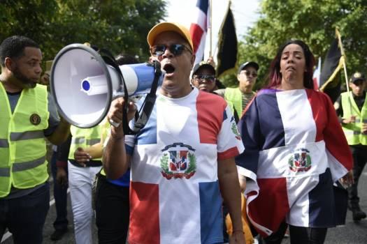 Des Dominicains organisent une marche contre la présence des Haïtiens. Photo Diario Libre