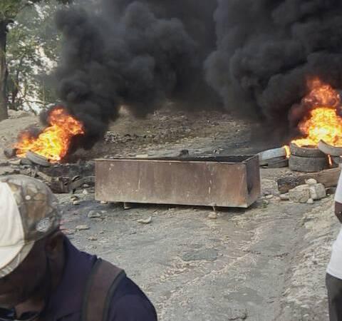Situation de tension à Pernier : les habitants réclament la construction de la route