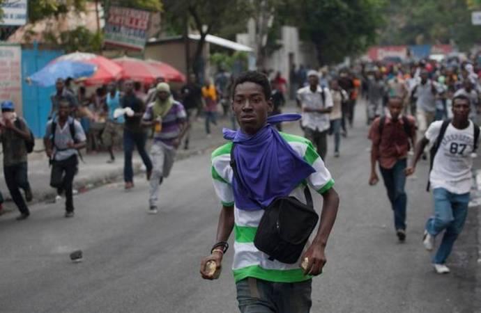 Des étudiants du CEFEF occupent encore les rues de Martissant