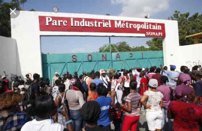 Des syndicats d'ouvriers lancent 4 journées de manifestation