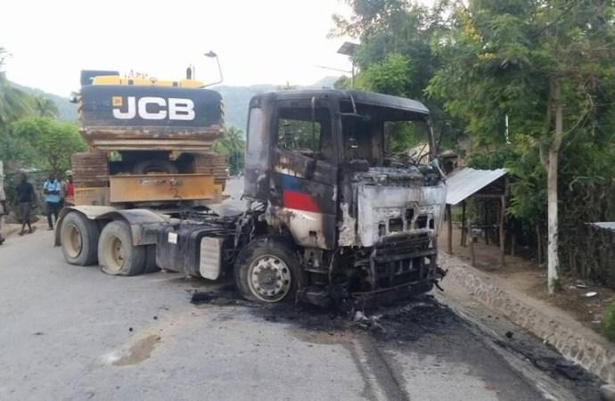 Des matériels de la Caravane incendiés à Milot