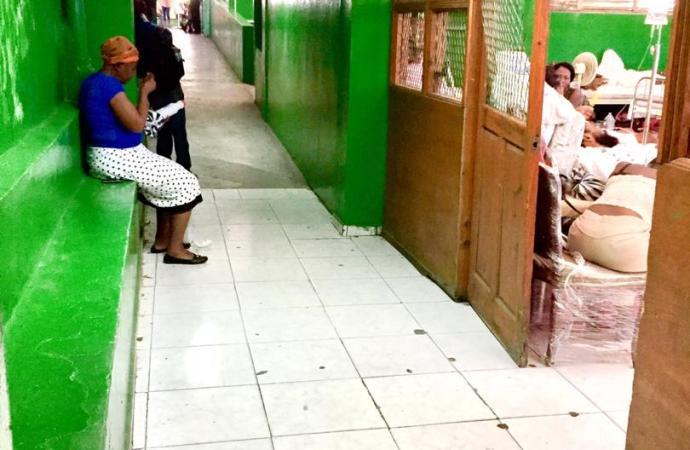 Les hôpitaux publics haïtiens, derniers de la classe en matière de communication et transparence