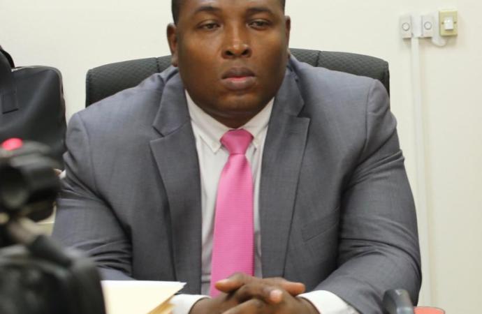 Le commissaire du Gouvernement de Port-au-Prince  démissionne