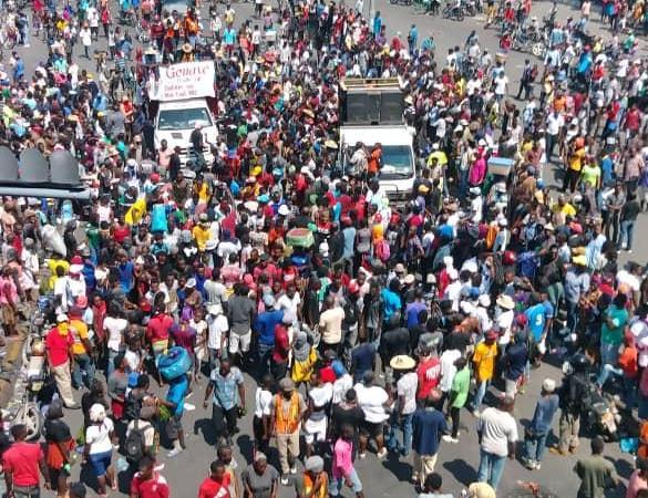 Commémoration du 17 octobre: division au sein de la manifestation de l'opposition