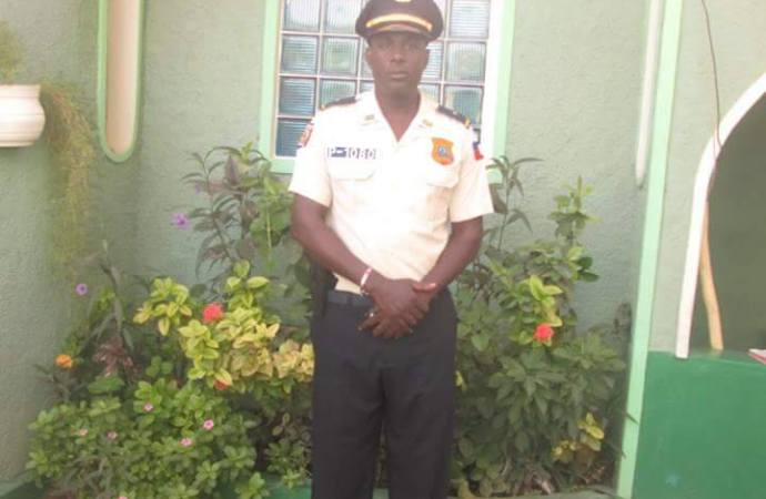 Un inspecteur de police assassiné en Plaine