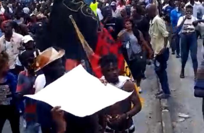 18 novembre: une manifestation de l'opposition en demi-teinte
