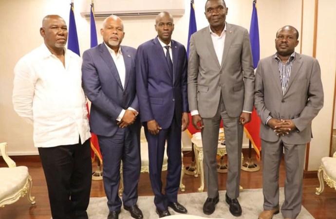 Haïti-Crise: Jovenel Moïse en discussion avec des acteurs politiques