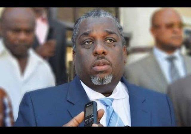 """""""Le carnaval ne peut pas être organisé sans la mairie de Port-au-Prince"""", revendique Youri Chevry"""