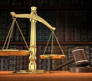 L'hussier séquestré au parquet de P-au-P  porte plainte contre les magistrats Jacques Lafontant et Jenty Souvenir