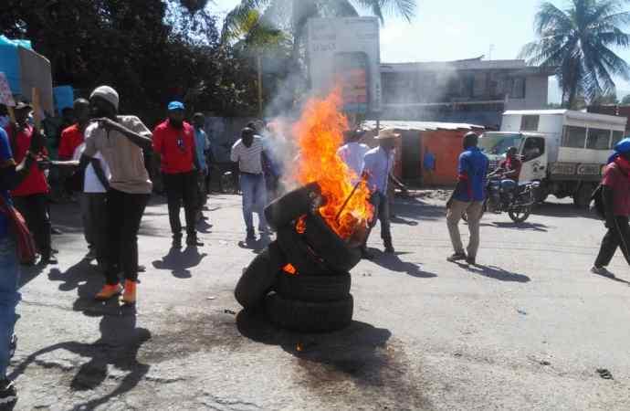 Relance de la mobilisation: l'opposition n'a pas fait recette