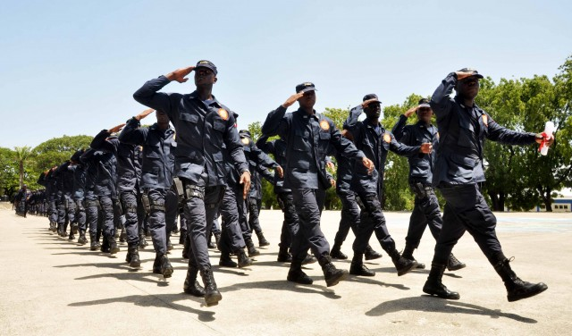 Des policiers envisagent de manifester pour réclamer leurs arrièrés de salaire
