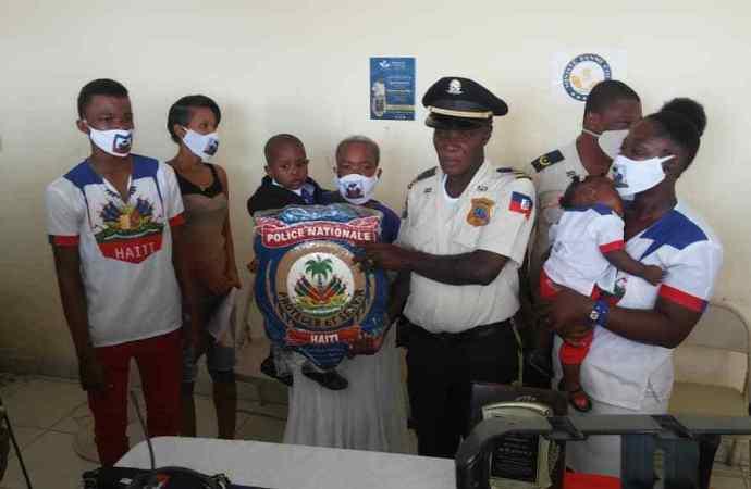 L'inspecteur Joachim Antoine honoré pour services rendus à la communauté de Tabarre