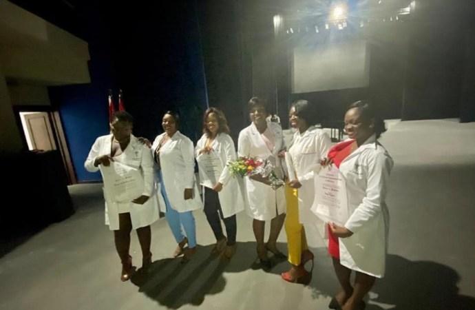 Coopération: diplômés en médecine à la Havane, 9 boursiers haïtiens intègrent le système de santé