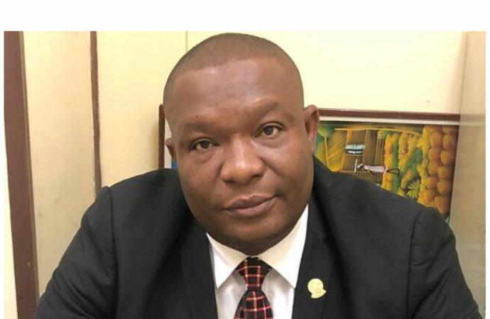 Interdiction de départ: le commissaire du gouvernement accuse, à tort ou à raison, un huissier