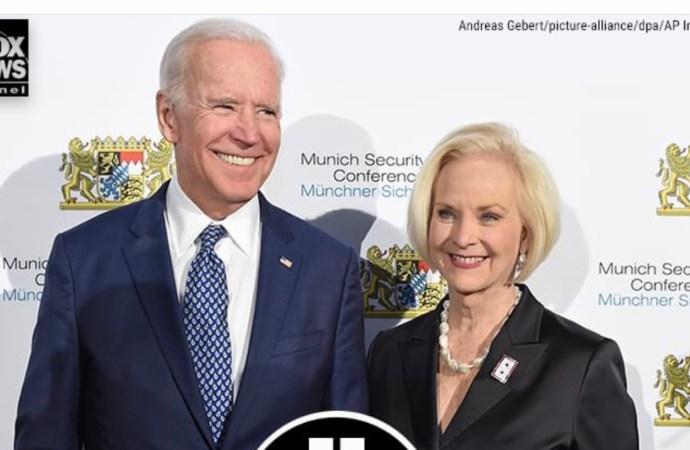 Cindy McCain, épouse du regretté sénateur du John McCain, soutient Joe Biden