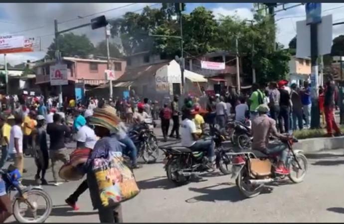Droits humains : Attaquée à coup de pierres, la police met fin à la marche pour la vie
