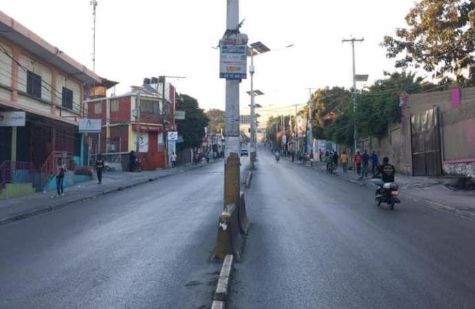 Première journée de grève : le transport en commun et les activités scolaires paralysés