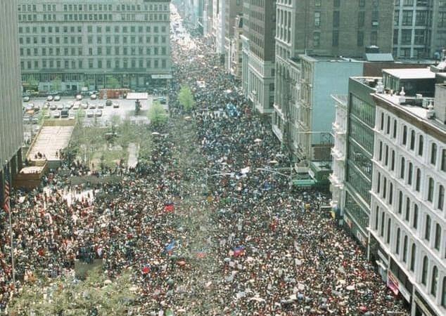 Éphéméride du 20 avril : Grande manifestation des Haïtiens à New York