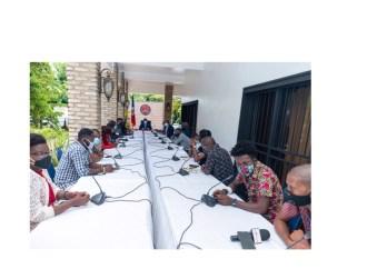 Coronavirus : Claude Joseph discute de stratégies avec des patrons de médias en ligne