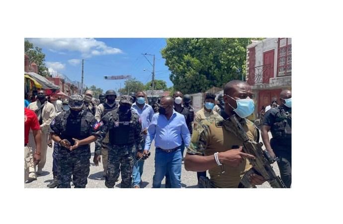 Après une tournée dans la 3e circonscription de Port-au-Prince, Claude Joseph invite la population à garder son calme