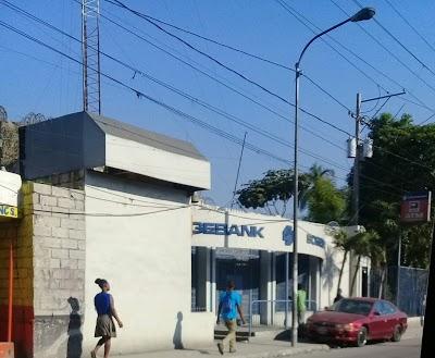 La Succursale de la SOGEBANK de Martissant pillée par des bandits armés